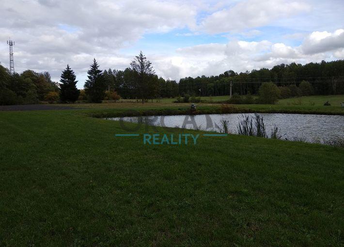 Prodej stavebního pozemku včetně rybníku