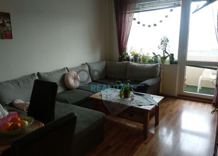 Prodej bytu 3+1+B v panelovém domě v K. Varech